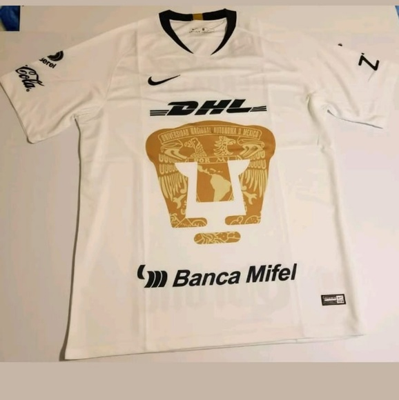 wholesale dealer be296 aa4c0 Pumas UNAM 2018/2019 jersey size Large NWT